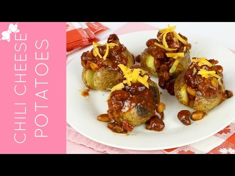 Mini Chili Cheese Baked Potato Bites // Lindsay Ann Bakes