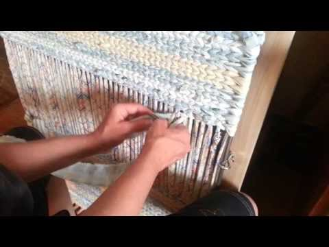 Twining a body of a rag rug in more detail video 2