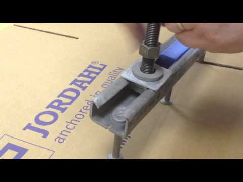Installing a locking plate into JORDAHL cast-in channel