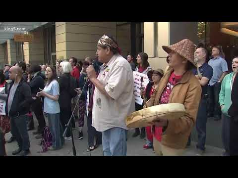 Protest blocks Seattle traffic with teepees