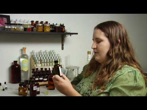 Perfume-Making Tips : How to Make Perfume