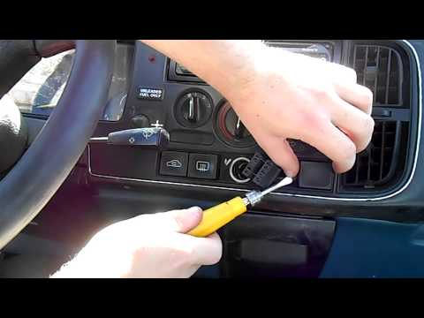 How to Remove The Instrument Cluster - Saab 900 Turbo