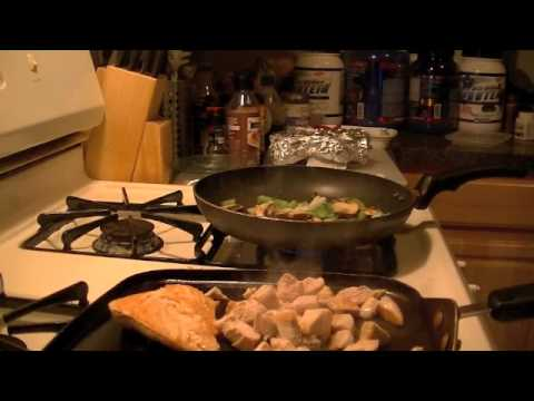 Everycalcounts makes chicken breast with mushrooms,peppers,and onions