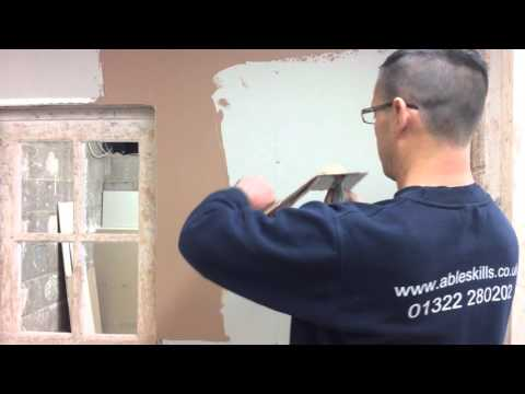 PLASTERING - How to apply the first layer of plaster onto a plasterboard.