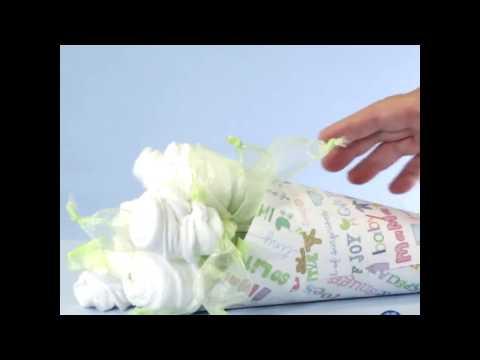 DIY Baby Shower Gift: Washcloth Bouquet