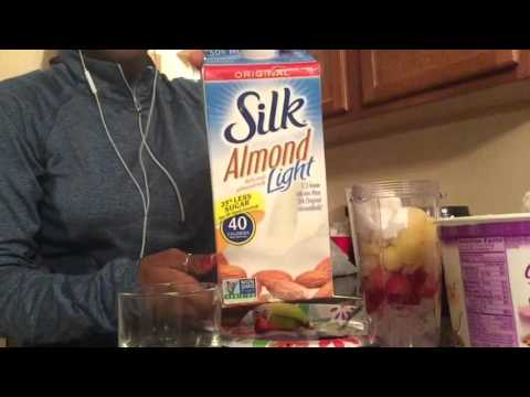 DIY: strawberry/banana/pineapple smoothie!