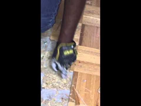 How to remove Parquet flooring...