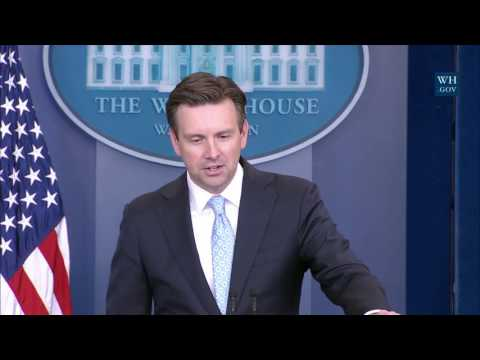 1/4/17: White House Press Briefing
