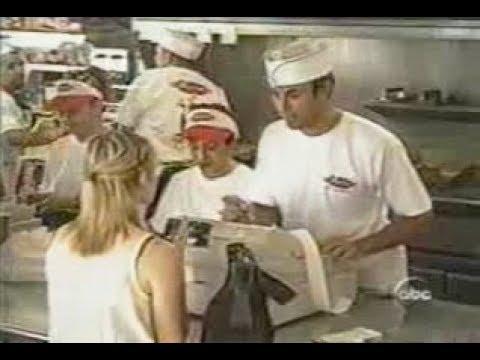 Enrique Iglesias incognito @ McDonald's type restaurant [hidden camera]