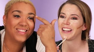 Women Try The No-Mirror Makeup Challenge