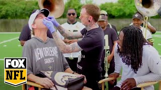 Alvin Kamara and Cooper Manning get matching nose rings | MANNING HOUR | FOX NFL