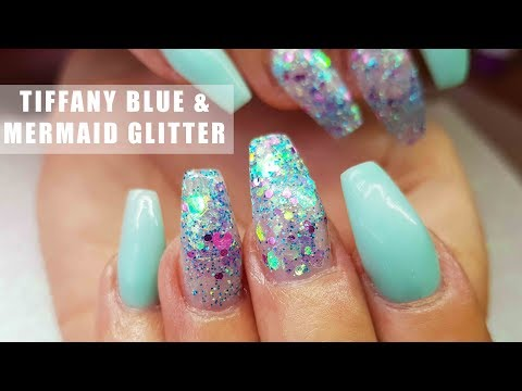 ACRYLIC NAILS TIFFANY BLUE AND CHUNKY MERMAID GLITTER | NAIL ART