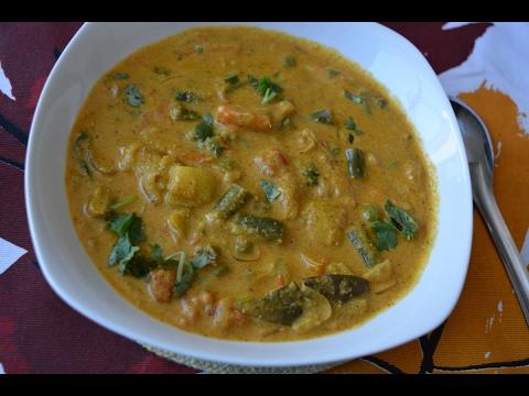 Saravana Bhavan Style Veg Kurma -  Side dish for Chappathi, Parotta, Idiyappam(in Tamil)