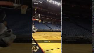 Zach LaVine apparently does 360 dunks from the free throw line now