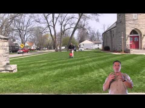 How To Fertilize The Lawn | Apply Lawn Fertilizer