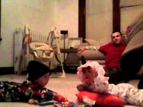 babies play parents argue