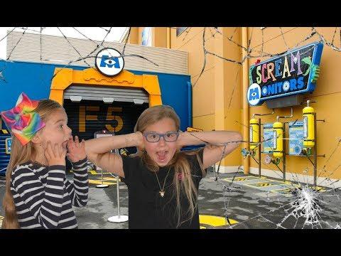SCREAM MONITOR Scream Challenge The loudest scream in the world Monsters Inc at Disneyland