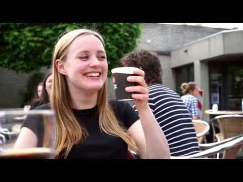 watch Wat is er anders als je studeert?/ What's different now you're a university student?