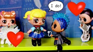 Getting Married? LOL Punk Boi & Baby Goldie Start in Frozen Musical  in Barbie School Show