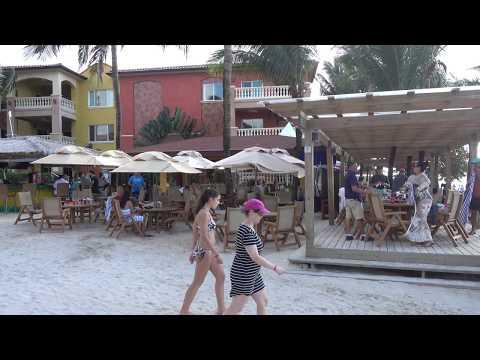 4K 360 View of Beach area - Infinity Bay & Beach Resort, Roatan, Honduras