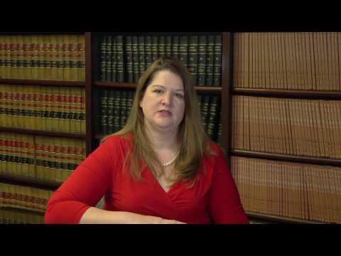 How do Texas courts determine child custody arrangements?