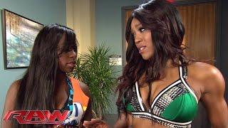Alicia Fox attacks Naomi in the locker room area: Raw, January 5, 2015