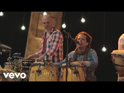 Los Amigos Invisibles - Óyeme Nena (Versión Acústica)