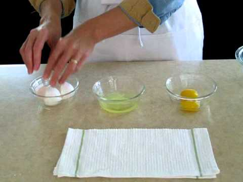 How to separate egg white and egg yolk