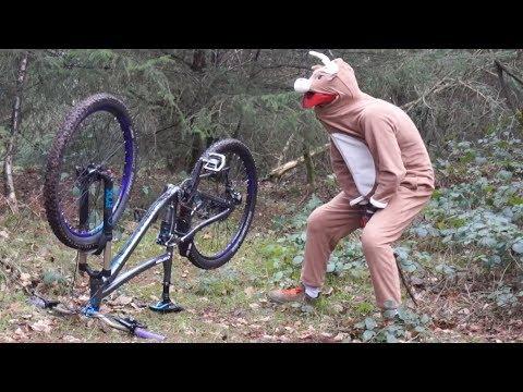 Reindeer Steals Bike | Christmas Eve MTB Ride