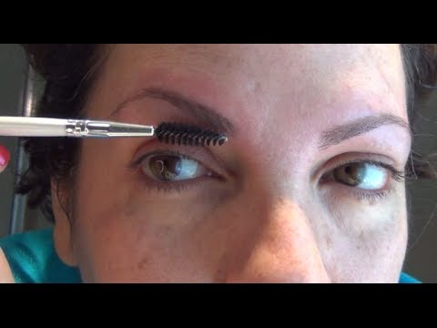 How to pluck your eyebrows with tweezers