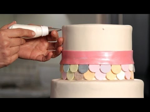 How to Do a Swiss Dot Pattern | Wedding Cakes