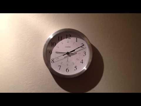 Atomic Clock Adjusting for Daylight Savings