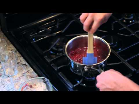 How to Make Raspberry Sauce : Quick Snacks & Kitchen Tips