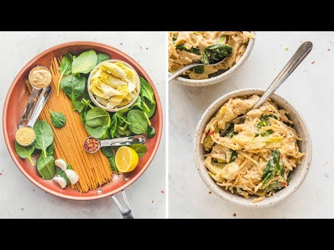 One Pot Spinach & Artichoke Pasta (10 Ingredients!)
