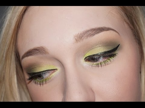 Tutorial: Electric Lime w/ Glitter (Requested)