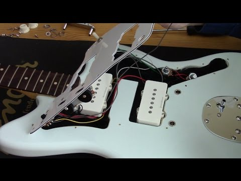 GUITAR TONE - SQUIER Jazzmaster Pickguard Replacement Demo Instruction