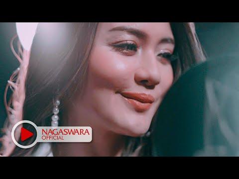 Ully Moch & Ifan Seventeen Hun