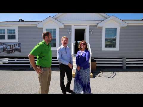 Spectacular New Home by Redman Homes - New Moon Series (Champion Homes)