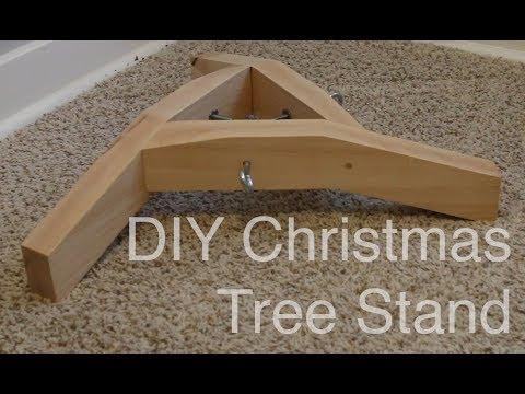 DIY Minimalist Maple Christmas Tree Stand