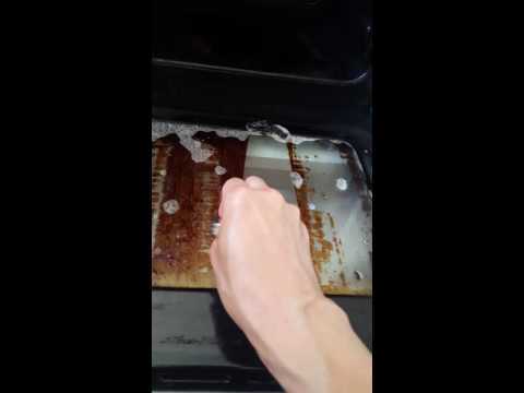 How to clean a glass oven door