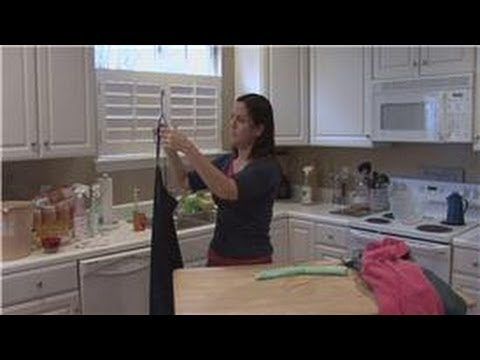 Housecleaning Tips : Different Types of Coat Hangers