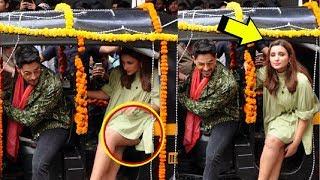 Parineeti Chopra EMBARRASSING Moment At Jabariya Jodi Song Launch