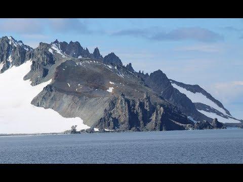 McFarlane Strait: Livingston Island and Greenwich Island, South Shetland Islands - Antarctica