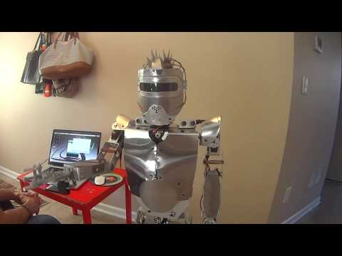humanoid robot made with Arduino and Raspberry PI.