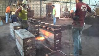 Fundição de ferro em forno cubilô - Itabirito / Minas Gerais