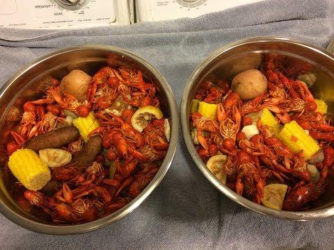 MUDBUGGIN 2017. Crayfish/Crawfish Boil. Just boiling up the catch.