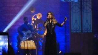 """Sandy cantando """"Respirar"""" - Turnê Meu Canto em Curitiba (16/06/2016)"""
