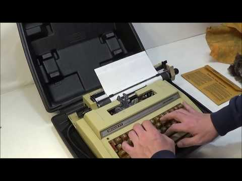 1987 Smith-Corona Deville XT K3RD Electric Typewriter with Case