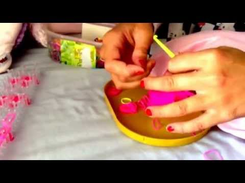 Making loom bands: doubled minion