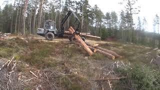 Körning i vindfälls skog Vimek 610